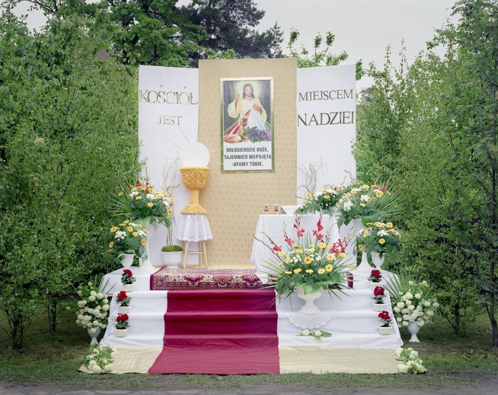 """""""Jeden dzień w roku"""" – cykl fotografii ołtarzy procesji Bożego Ciała w Polsce, Boże Ciało, Corpus Christi"""