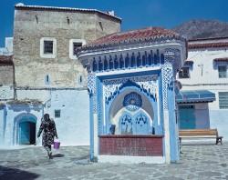 Maroko Express 2015, Chefchaouen, góry Rif, Pocztówka z Maroko Express 2015 czwarta, fotografia krajobrazu, Afryka, plener fotograficzny, fotografia tradycyjna, fotografia krajobrazowa, fotografia kolorowa, studnia w mieście, oko Proroka, błękitne miasto